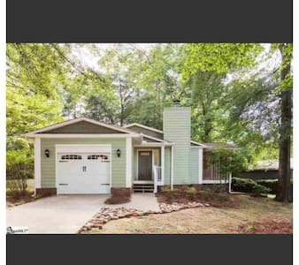 Craftsman Home near Downtown Greenville - Casa