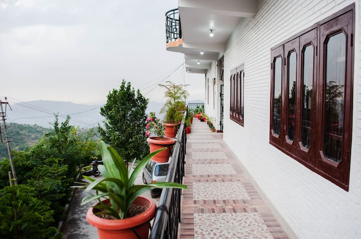 4 Bedroom Gracious Stay With Mesmerizing View