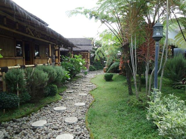 RumahKebunLulu Villa