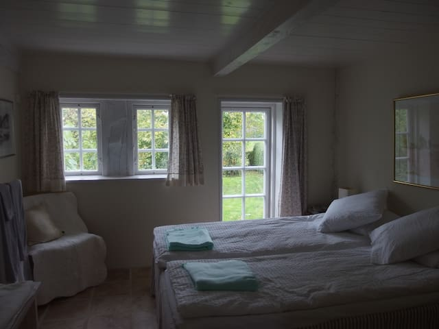 Bailey´s bed and breakfast - Søby Ærø - House