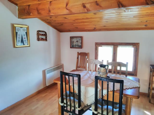 APARTAMENTO EN LA CERDANYA, CON JARDIN, PARKING... - Estavar - House