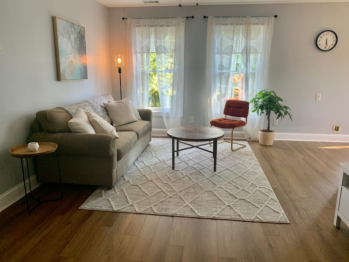 Hogansville Carriage House, Clean and Comfy