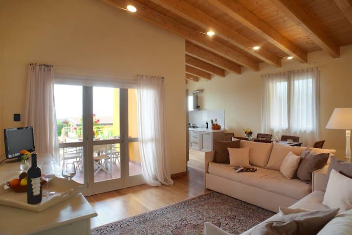 Superior apartment in farmhouse + swimming pools