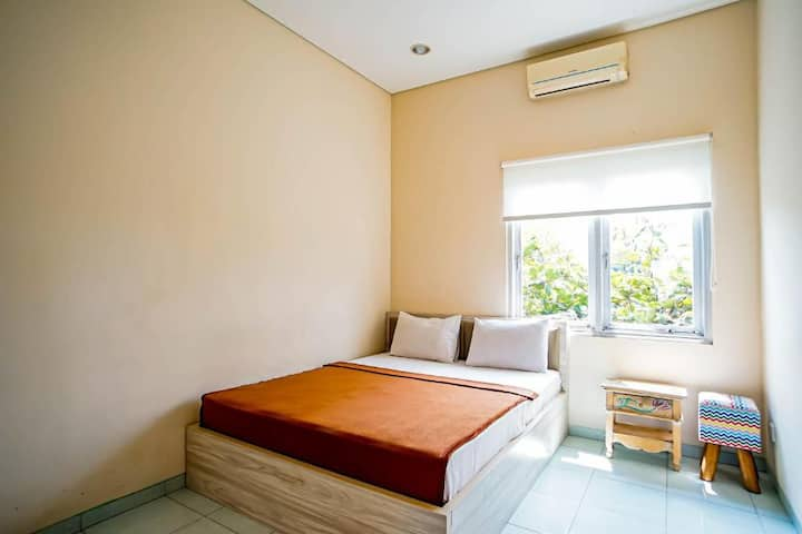 Deluxe with Shared Bathroom at BB Hostel Canggu