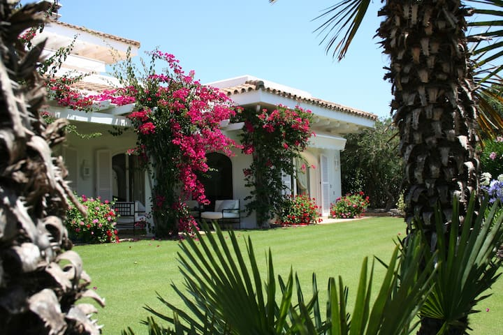 Exclusive villa for holiday rental