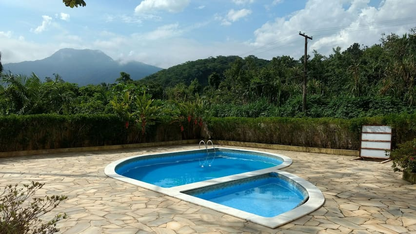 Apartamento c/ piscina e churrasqueira, Maranduba - Ubatuba - Apartamento