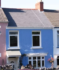 4 bedroom house in the heart of Mumbles - Casa