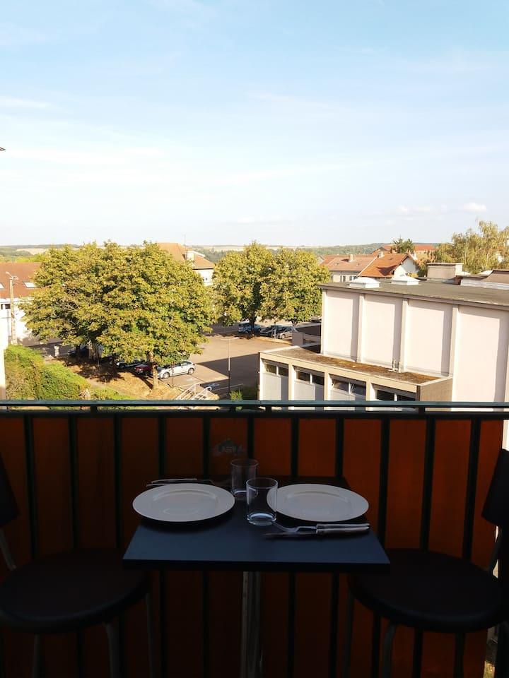 Chaumont, appartement avec vue dégagée.