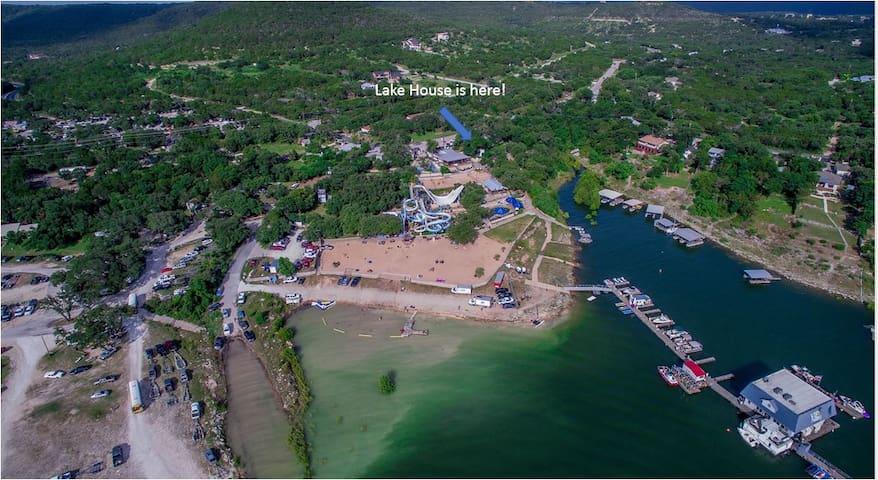 Lake Travis Lake House Next to a Water Park! - Leander