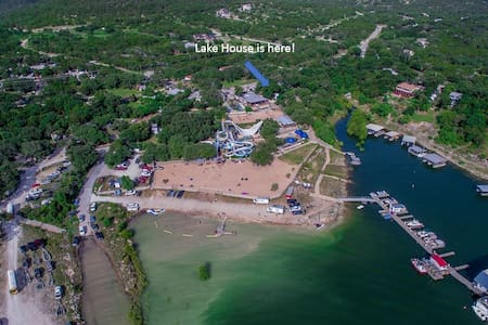 Lake Travis Lake House Next to a Water Park! - Leander - Hus