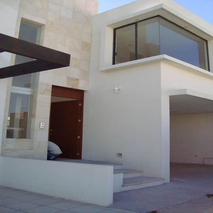 Entrada Principal - Casa  - Planta Baja