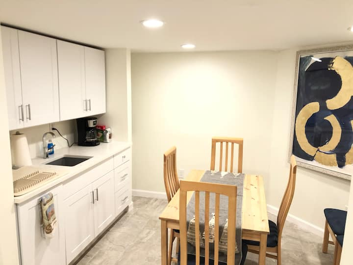 1 Bedroom White Plains Retreat