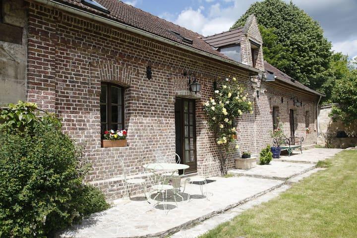 HAMLET COTTAGES NEAR CHANTILLY - Orry-la-ville - Rumah
