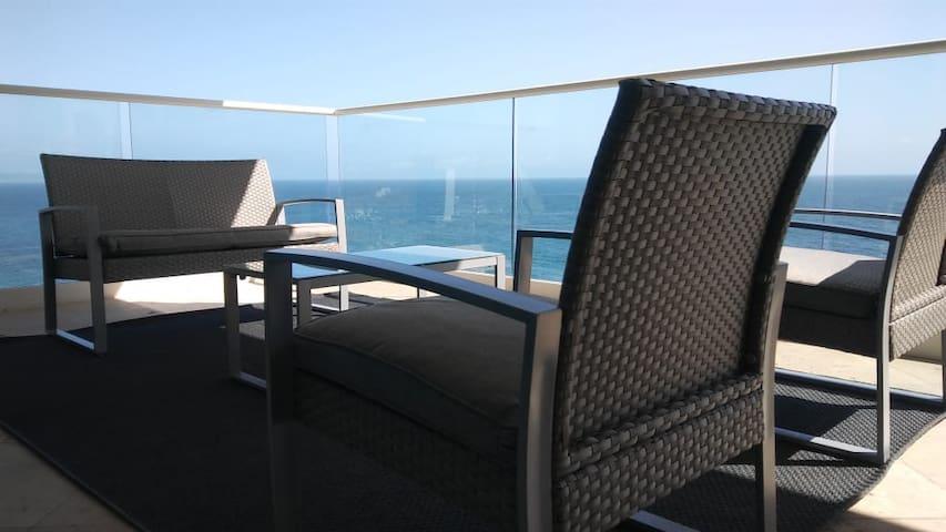 Luxury Ocean Front - Las Olas BC 15-01