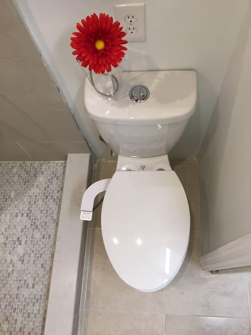 New Tall , Comforts Hight Toilet & a Bidet