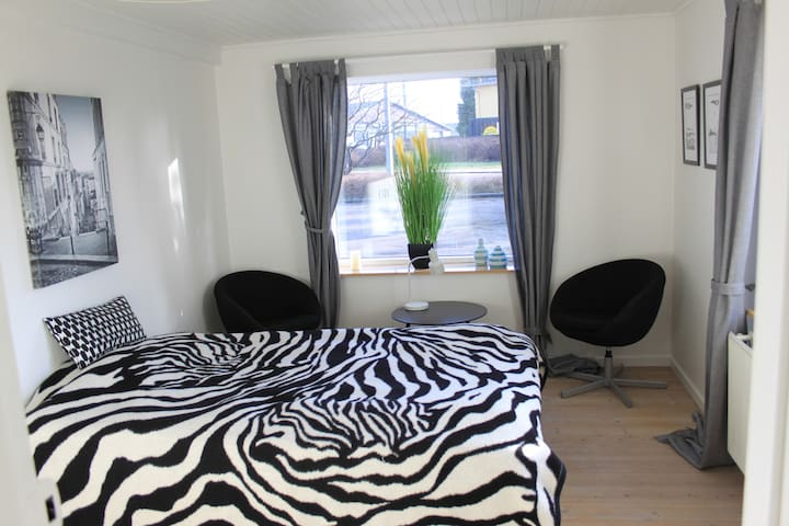 Nice room by Stevns Klint (Room 1) - Store Heddinge - Apartament