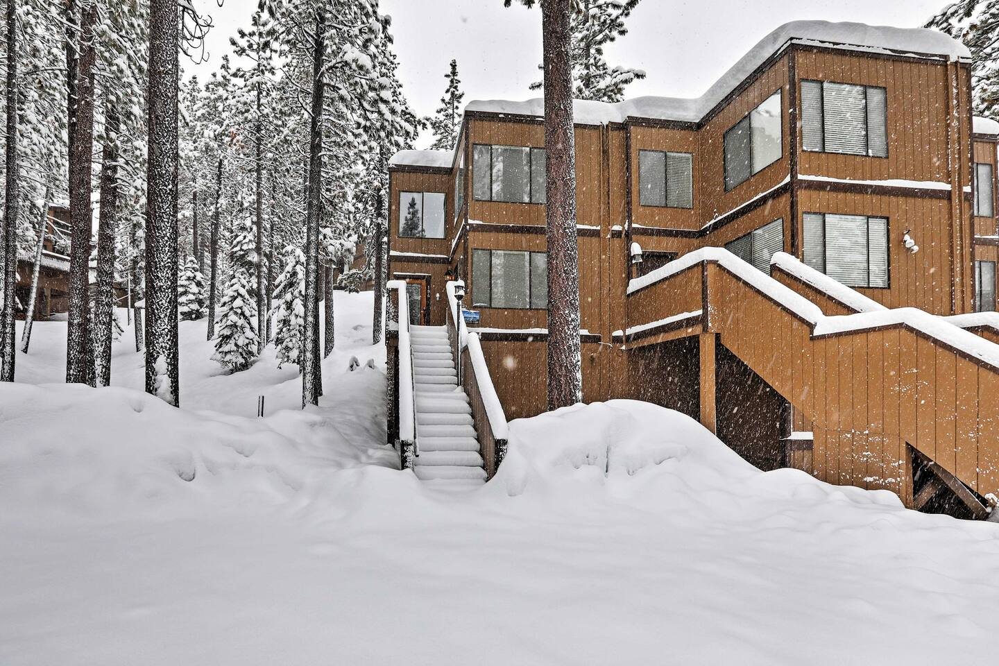This condo is ideally located, just 2 minutes from downtown South Lake Tahoe!