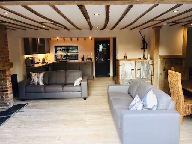 Stunning open plan cottage Wells-next-the-Sea