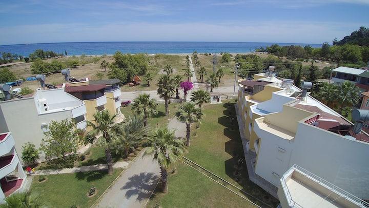 doğa ve deniz ile içiçe sakin huzurlu villa