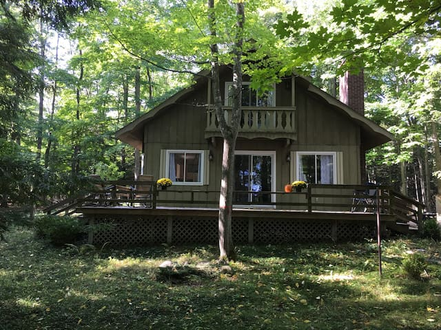 Cozy Cottage Steps From Grand Traverse Bay - Northport - Talo
