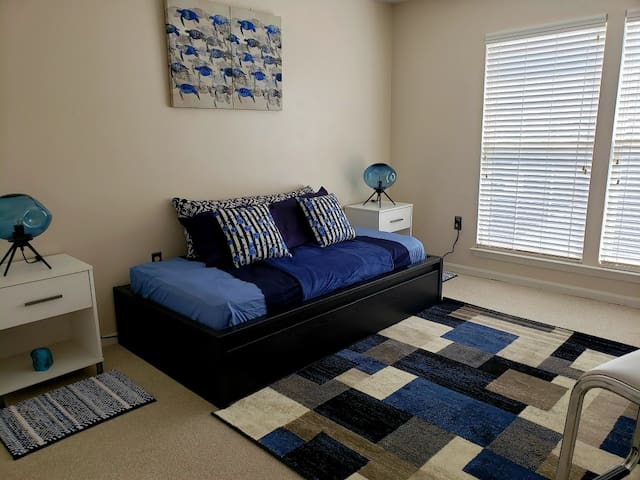 2BD near MD Live Casino - Go Play and come Stay