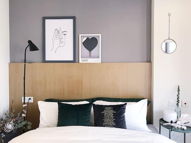 『绿子』by 设计师  带阳台的高品质小公寓  市中心  到各大景点速达
