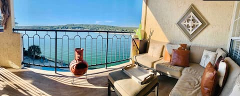 ATX Hill Country Hacienda auf Island @ Lake Travis