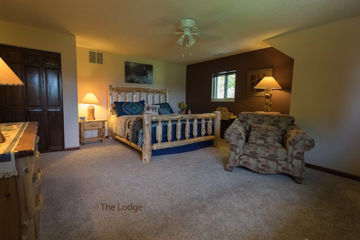 The Lodge @ Tumbleweed Guest Ranch