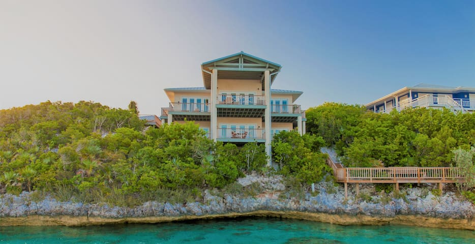 Luxury Home in Staniel Cay - Lower Level