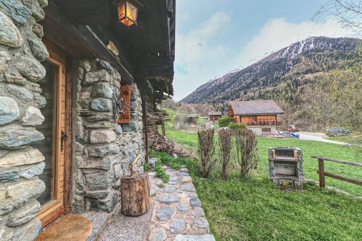 Splendid traditional chalet in the heart of the Val d'Anniviers
