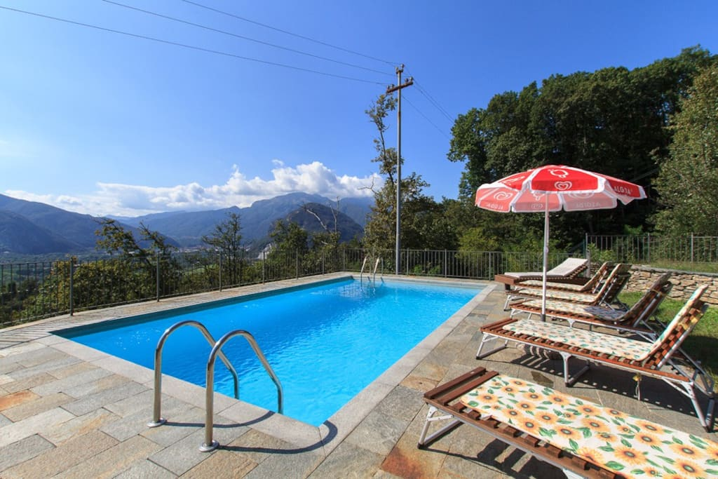 Holiday house Bernardino, Lake Maggiore Italy - NORTHITALY VILLAS Vacation Villa Rentals