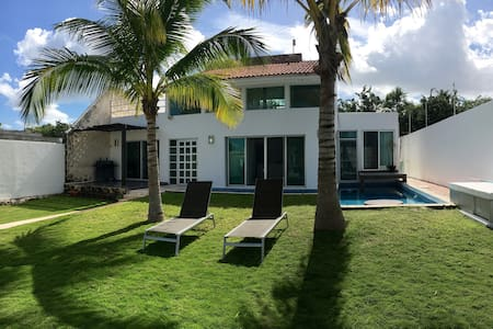 Beautiful,Private and Relaxing Home,gatedcommunity - Alfredo V. Bonfil - Huis