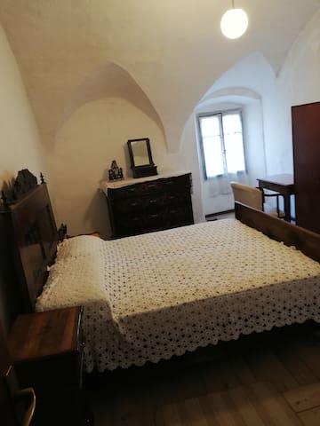 Camera da letto matrimoniale con soffitto a volte