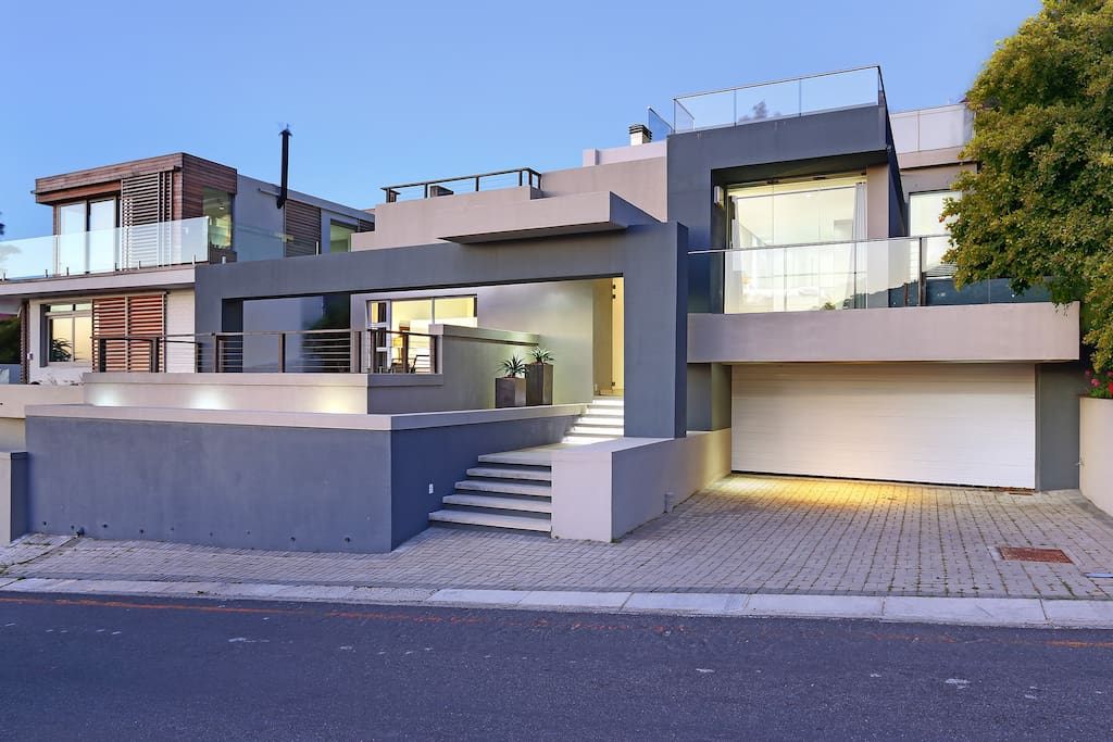 contemporary and stylish house with double garage