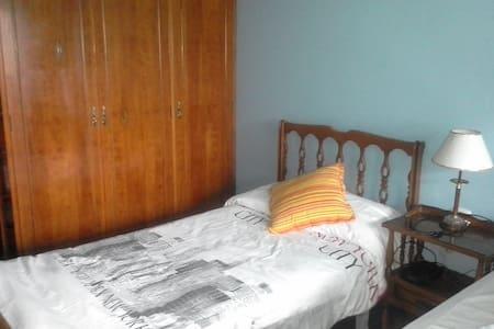 Habitación camas dobles - Vigo