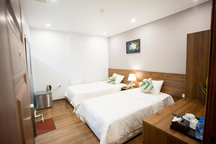 Luxstay Hotel @Standard Twin  close to Ha Long Bay
