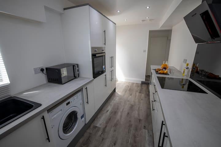Abingdon House 4 en-suite rooms - Workstays UK