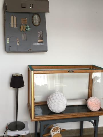 Une ancienne boutique transformée en loft vintage