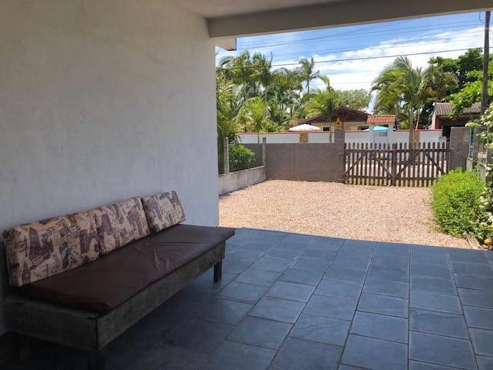 Casa Balneário Guarapari, andar térreo