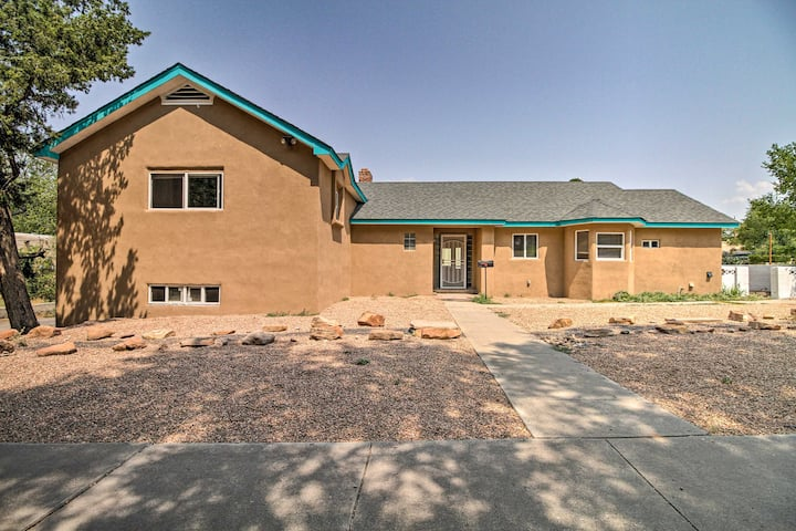 NEW! Bright ABQ Villa w/ Fire Pit: 3 Mi to Airport