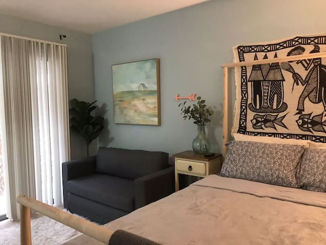 Boho bedroom in Santa Monica