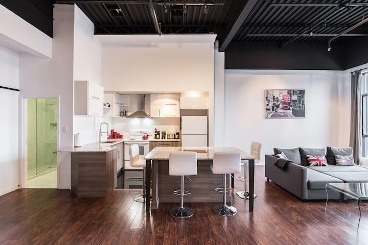 Downtown MTL 2 bedrooms loft + PARKING