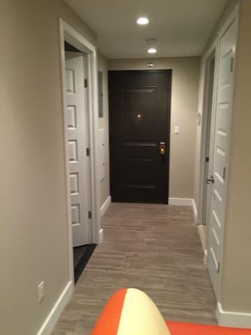 Modern brand new apartment near JFK/Laguardia - Queens - Apartemen