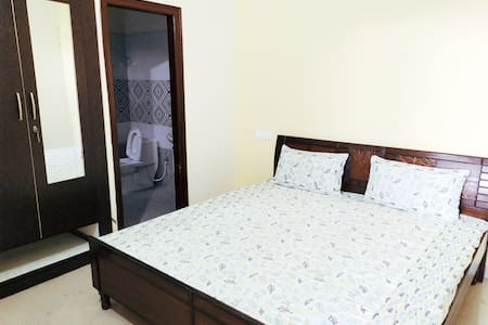 Private one room apartment near airport road