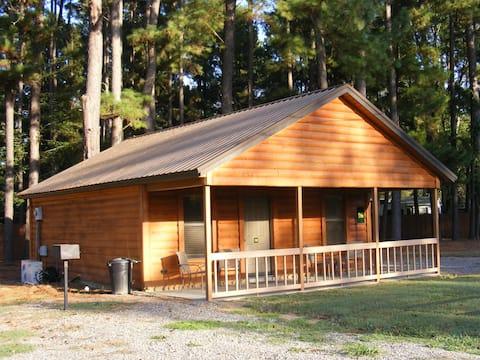Vera's Cedar Log Cabin