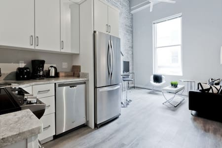 Chic 2BR in Downtown - Boston