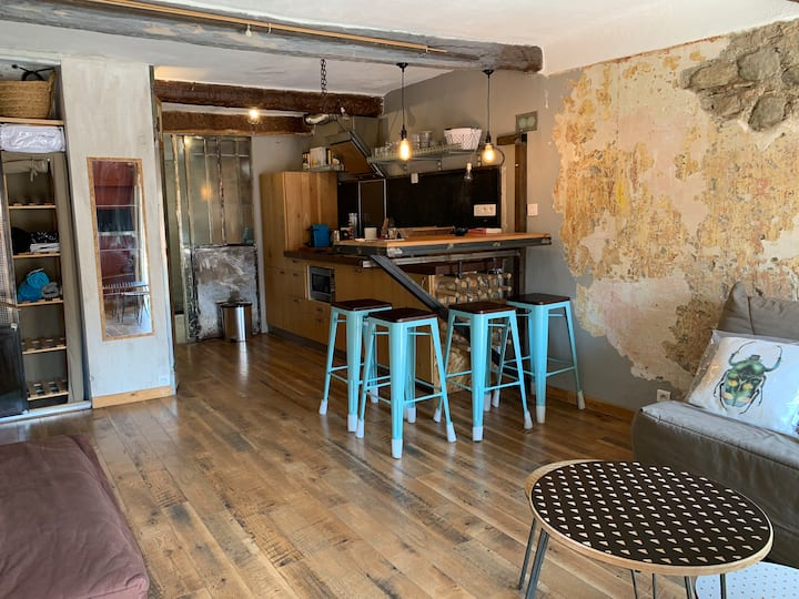 Charming Studio apartment in the old city of Nice
