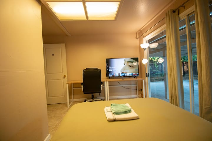 Private Room #A6 New Bright and Clean