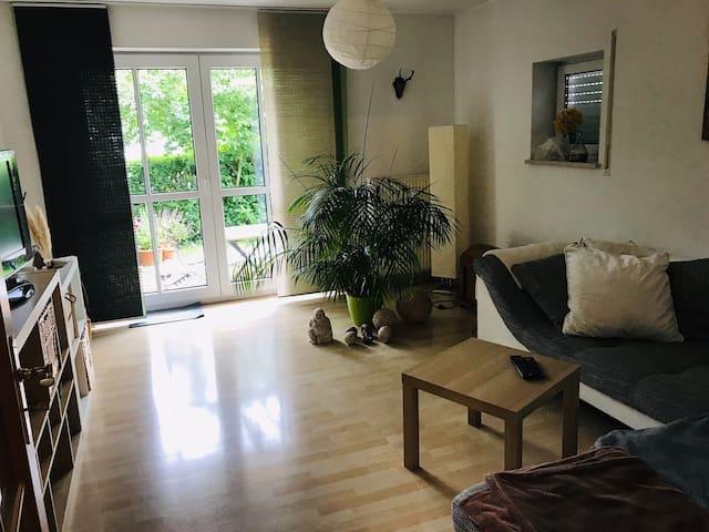schöne 2-Zimmer Wohnung für 3 Monate befristet