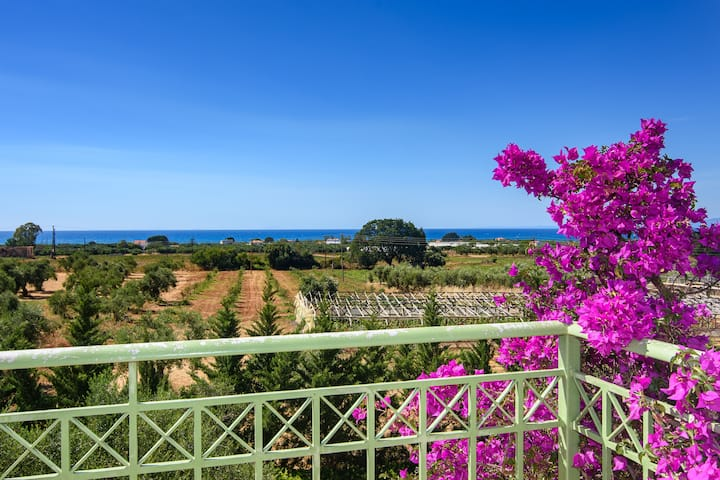 Kyparissia Garden Retreat - Fully Equipped Duplex